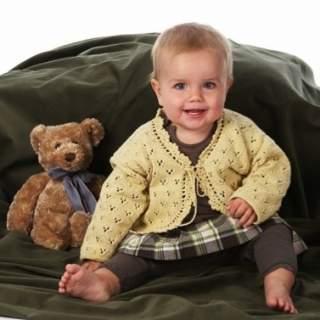Mönster 08021 babykofta spetsstickad i Eco Babybomull